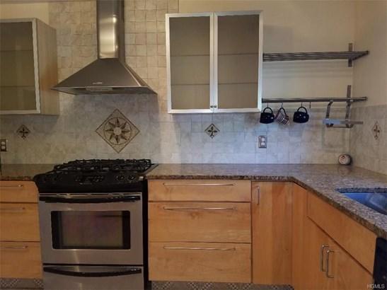 Condominium, Garden Apartment - Monroe, NY (photo 4)