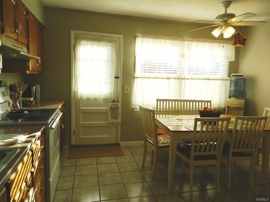 Bilevel,Raised Ranch, Single Family - Otisville, NY (photo 4)