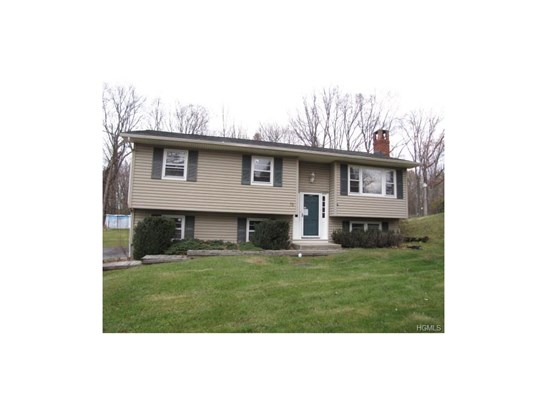 Bilevel, Single Family - Middletown, NY (photo 1)