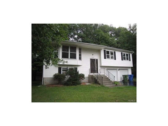 Bilevel, Single Family - Goshen, NY (photo 1)