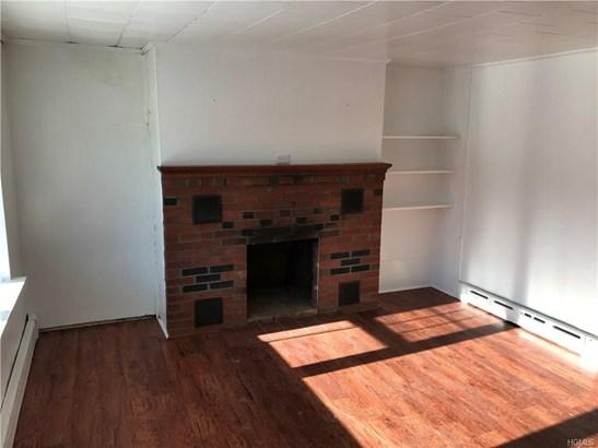 Salt Box, Single Family - Marlboro, NY (photo 2)