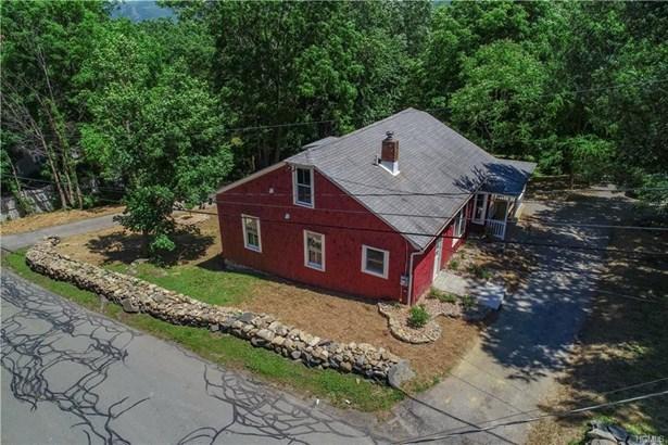 Colonial,Farm House, Single Family - Cornwall, NY (photo 4)