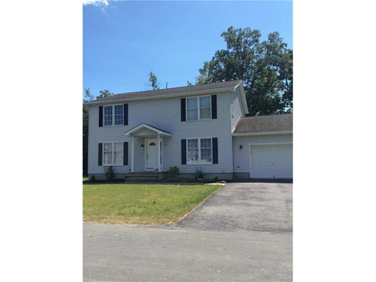 Colonial, Single Family - Middletown, NY (photo 1)