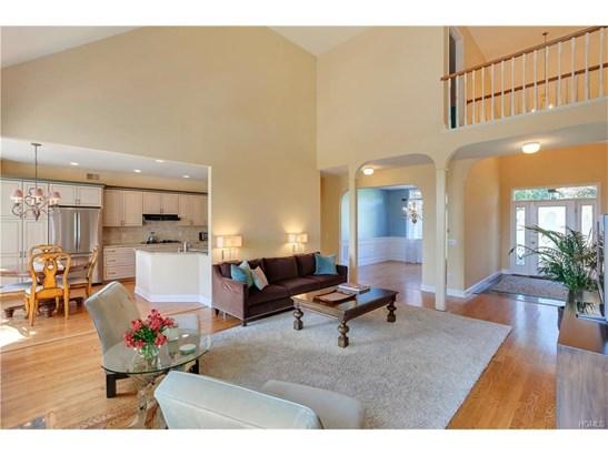 Contemporary,Mini Estate, Single Family - Newburgh, NY (photo 3)