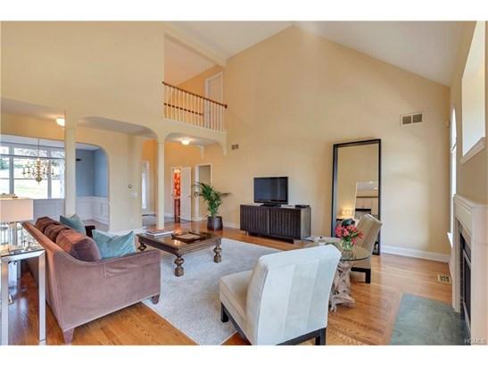 Contemporary,Mini Estate, Single Family - Newburgh, NY (photo 5)