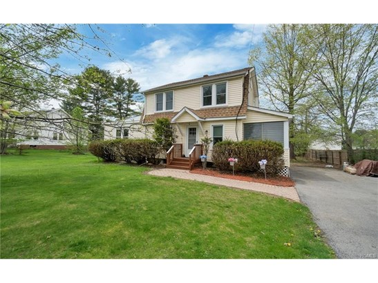Colonial, Single Family - New Hampton, NY (photo 3)