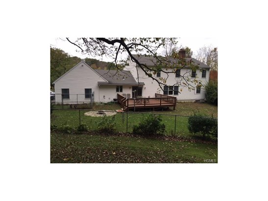 Colonial, Single Family - Middletown, NY (photo 3)