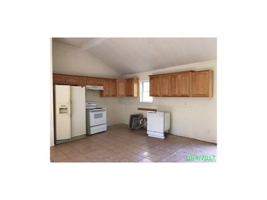 Bilevel,Raised Ranch, Single Family - Greenfield Park, NY (photo 5)