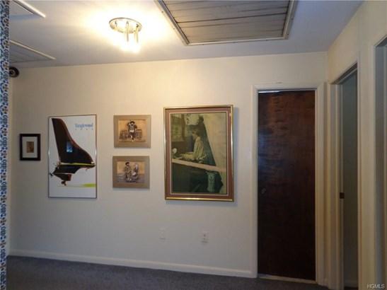 Contemporary,Split Level, Single Family - Newburgh, NY (photo 4)