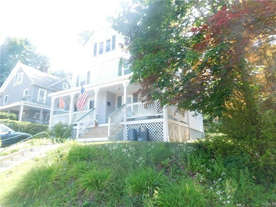 Flats, Two Story - Middletown, NY (photo 3)