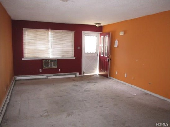 Condominium, Garden Apartment - Middletown, NY (photo 3)