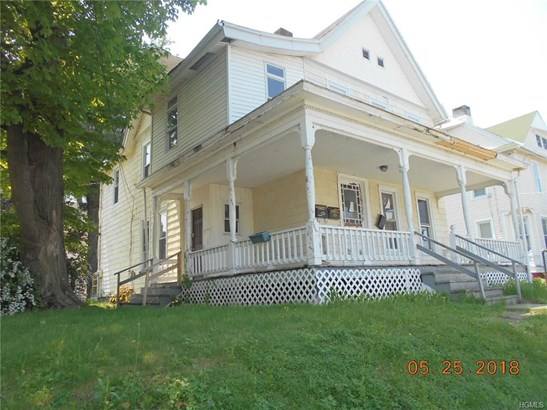 Two Story, Duplex - Middletown, NY (photo 1)