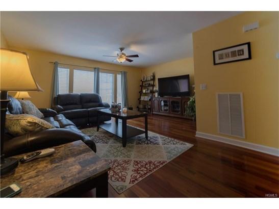Condominium, Town House - New Windsor, NY (photo 5)