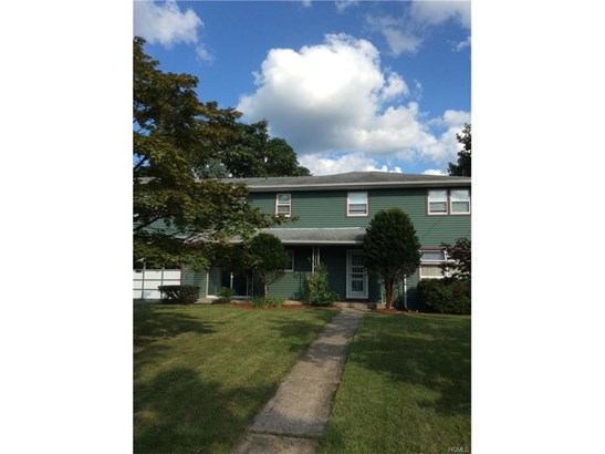 Colonial,Two Story, Single Family - Middletown, NY (photo 1)