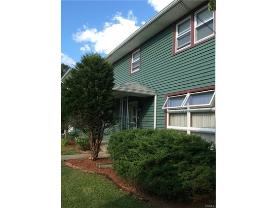 Colonial,Two Story, Single Family - Middletown, NY (photo 2)