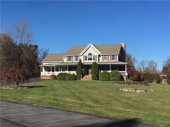 Colonial, Single Family - Wallkill, NY (photo 1)