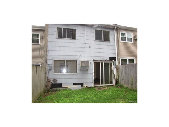 Town House, Single Family - Middletown, NY (photo 3)