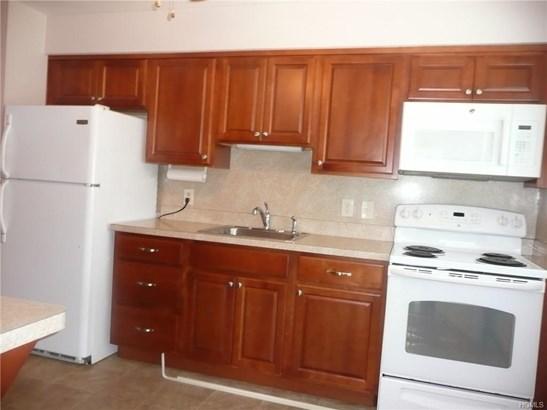 Condominium, Garden Apartment - New Windsor, NY (photo 3)