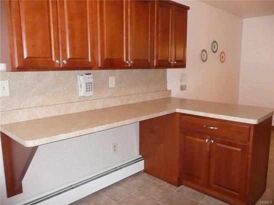 Condominium, Garden Apartment - New Windsor, NY (photo 4)