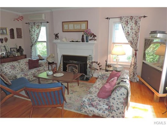 Colonial, Single Family - Middletown, NY (photo 5)