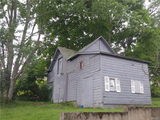 Two Story, Single Family - Middletown, NY (photo 3)