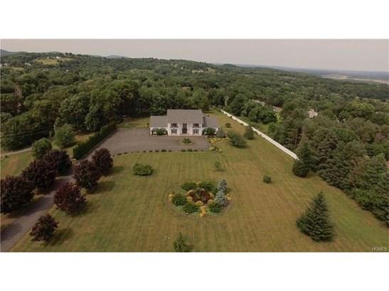 Colonial,Mini Estate, Single Family - Marlboro, NY (photo 5)