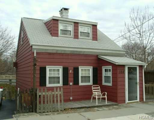 Capecod, Single Family - New Windsor, NY (photo 1)