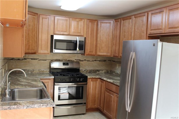 Condominium, Town House - New Windsor, NY (photo 2)