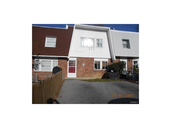 Town House,Two Story, Single Family - Middletown, NY (photo 1)
