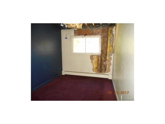 Town House,Two Story, Single Family - Middletown, NY (photo 3)