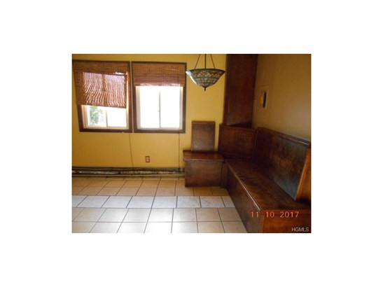 Town House,Two Story, Single Family - Middletown, NY (photo 5)