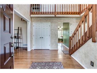 Two-story foyer w/ large coat closet (photo 2)