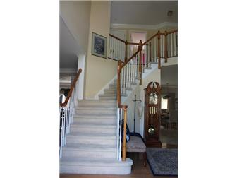 Front entry turned staircase (photo 2)