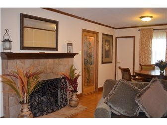 Living and Dining Room open floor plan (photo 4)