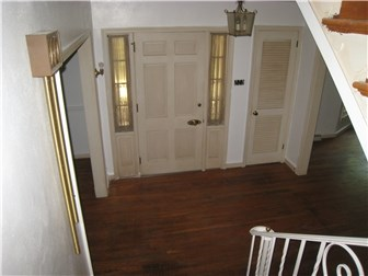 Front Entrance (photo 2)