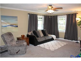 Spacious natural light filled great room (photo 3)