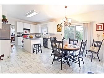 HUGE open kitchen (photo 3)