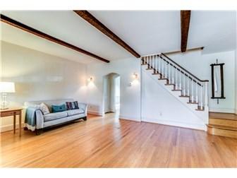 Beautiful original hardwood floors (photo 5)