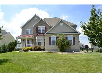 Great Curb Appeal! (photo 1)