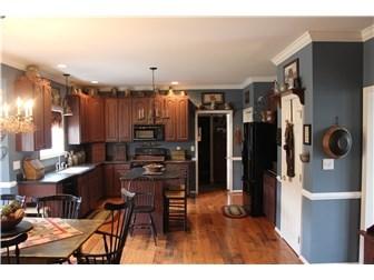 Kitchen with Breakfast Nook (photo 3)
