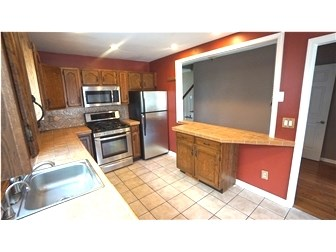 Pass Through & Lots of Cabinets (photo 4)