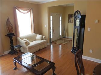 Living Room/ Foyer (photo 3)