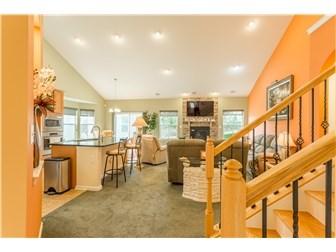 Hallway to Great Room/Kitchen (photo 2)