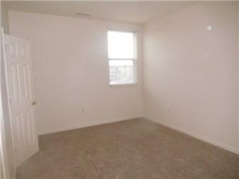 Main Bedroom (photo 5)
