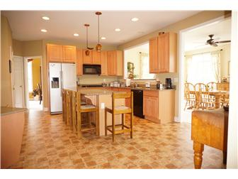 Gourmet Granite Kitchen (photo 5)