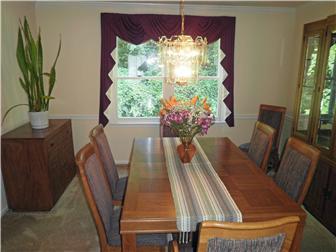 Formal dining room off living room (photo 3)