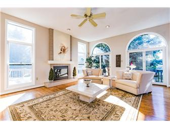 Formal Living Room (photo 1)