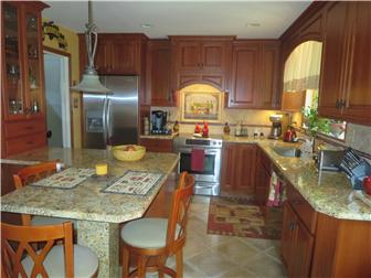 Granite Kitchen Counters! (photo 5)