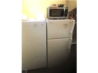 Refrigerators in kitchen (photo 4)