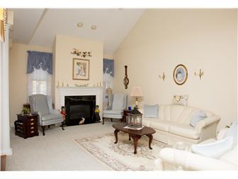 13 X 20 Great Room w/gas fireplace (photo 4)